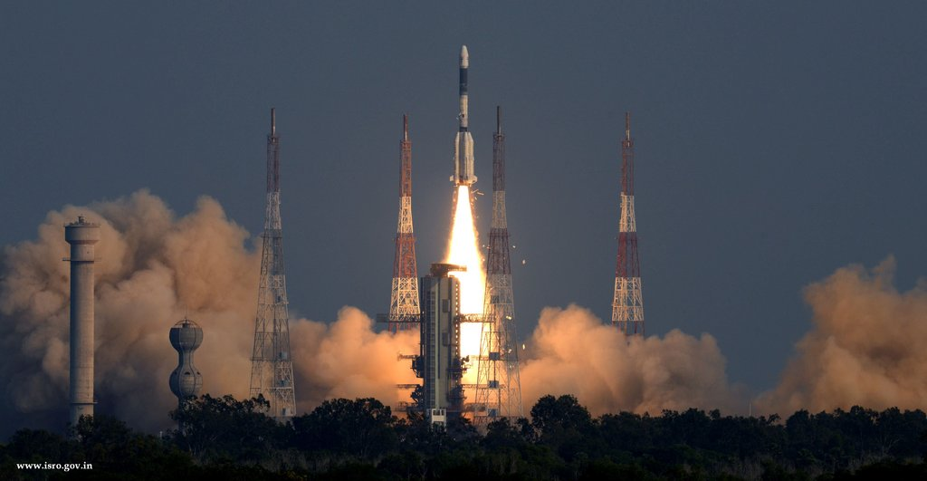ISRO launch Gsat-7A Satellites From Sriharikota: Air Force's Mainstay Sky Photos, Videos: Fresh News India.